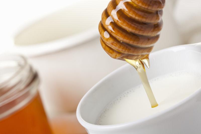Honig ist ein altes Hausmittel bei Erkältungen